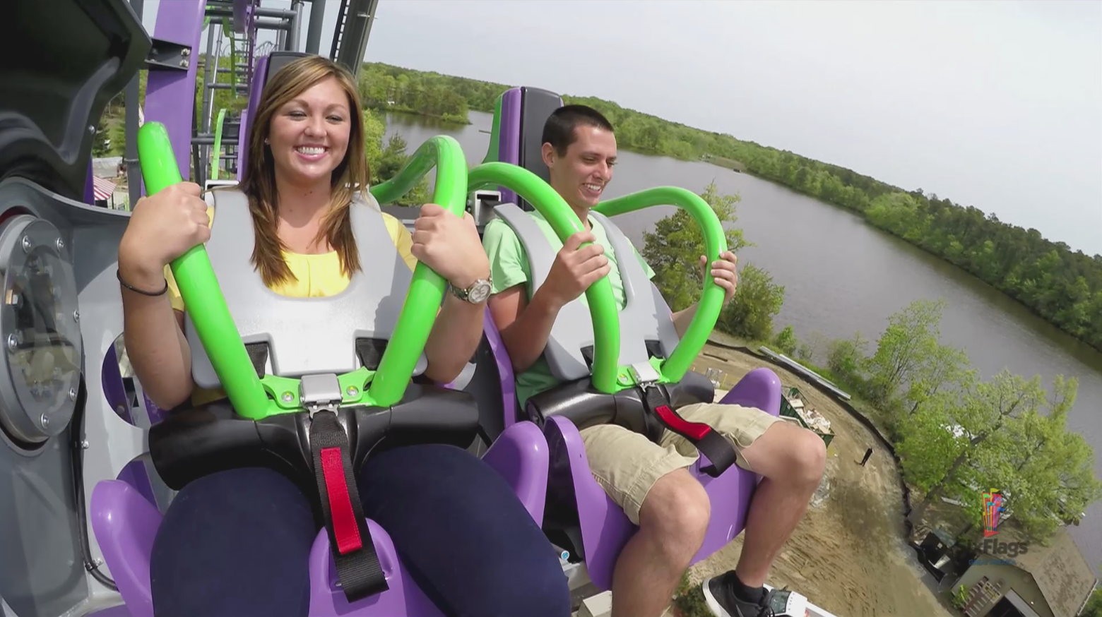 Monona Terrace Goes For Roller Coaster >> Dare To Ride The Joker Six Flags Installs Final Piece To New Free
