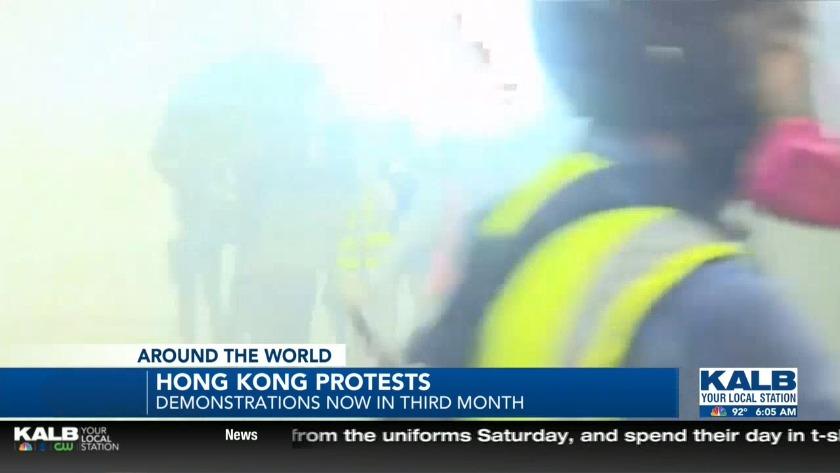 Tear gas fired inside Hong Kong Subway