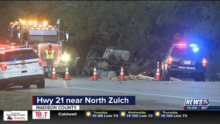 Traffic slowed on Highway 21 after accident west of North Zulch