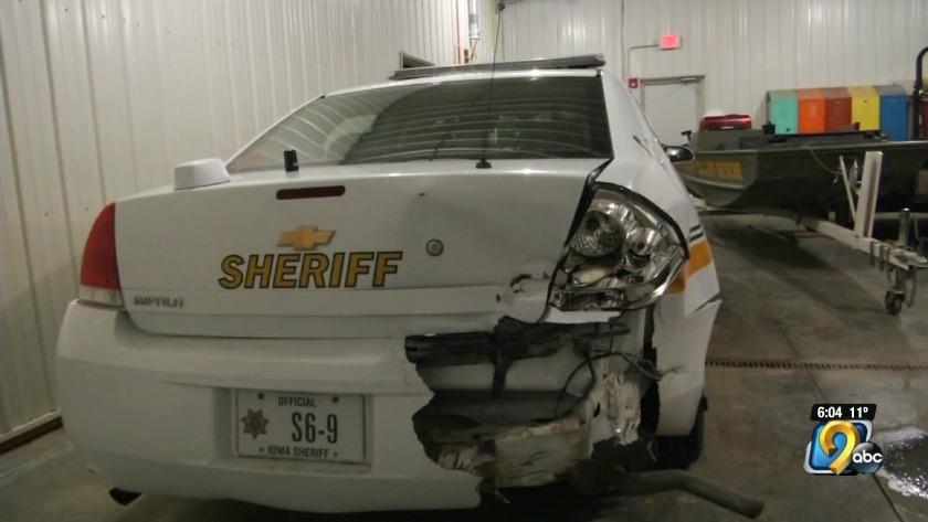 Benton County deputy hit during snow storm