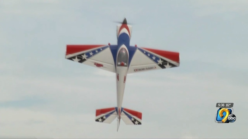 Aircraft show controlled from the ground