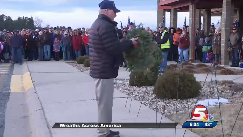 c5ab2f56c4b51 Wreaths Across America