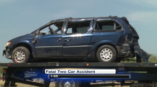 Update: Accident on I-35 claims the life of a 19-year-old man