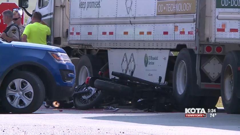 Arizona couple killed in motorcycle crash with semi-truck