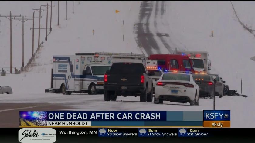Update: 1 dead, 1 injured in crash north of Humboldt