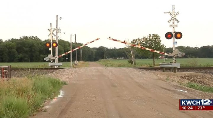 Can law in Kansas cut down on delays at train crossings?