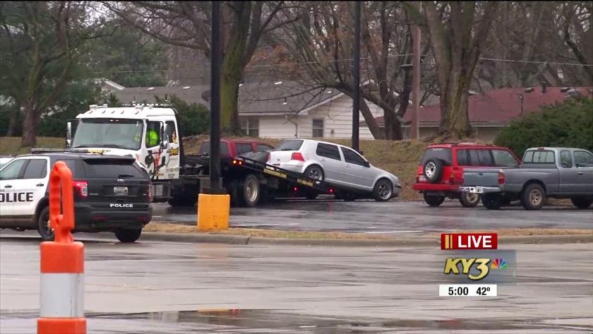 Police investigate bodies found in Walmart parking lot in Springfield