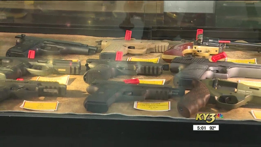 More stores ask gun owners not to open and carry