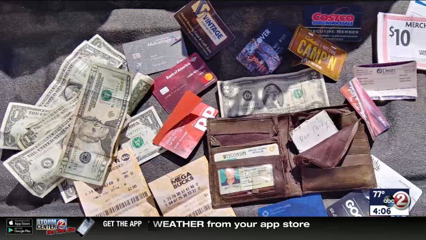 WATCH: Good Samaritan chases down lost wallet