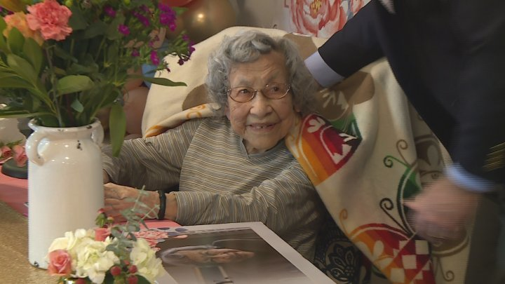 Kansas WWII veteran celebrates 109th birthday