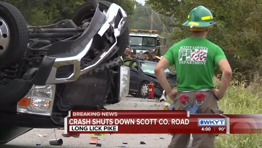 WATCH 4 injured, tow truck flipped upside down in Scott