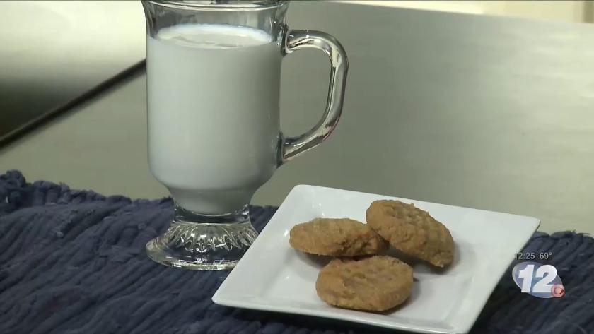 ewwk low sugar pb cookies