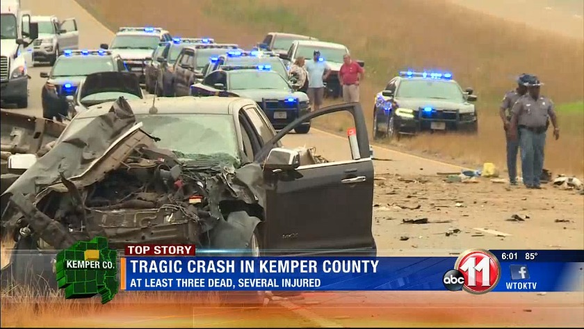 Deadly wreck north of Lauderdale-Kemper line