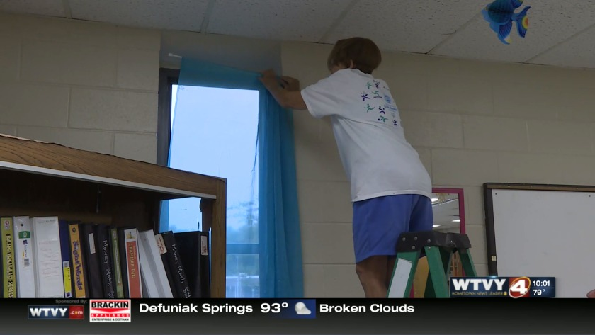 Dothan High teachers back in school to set up classrooms